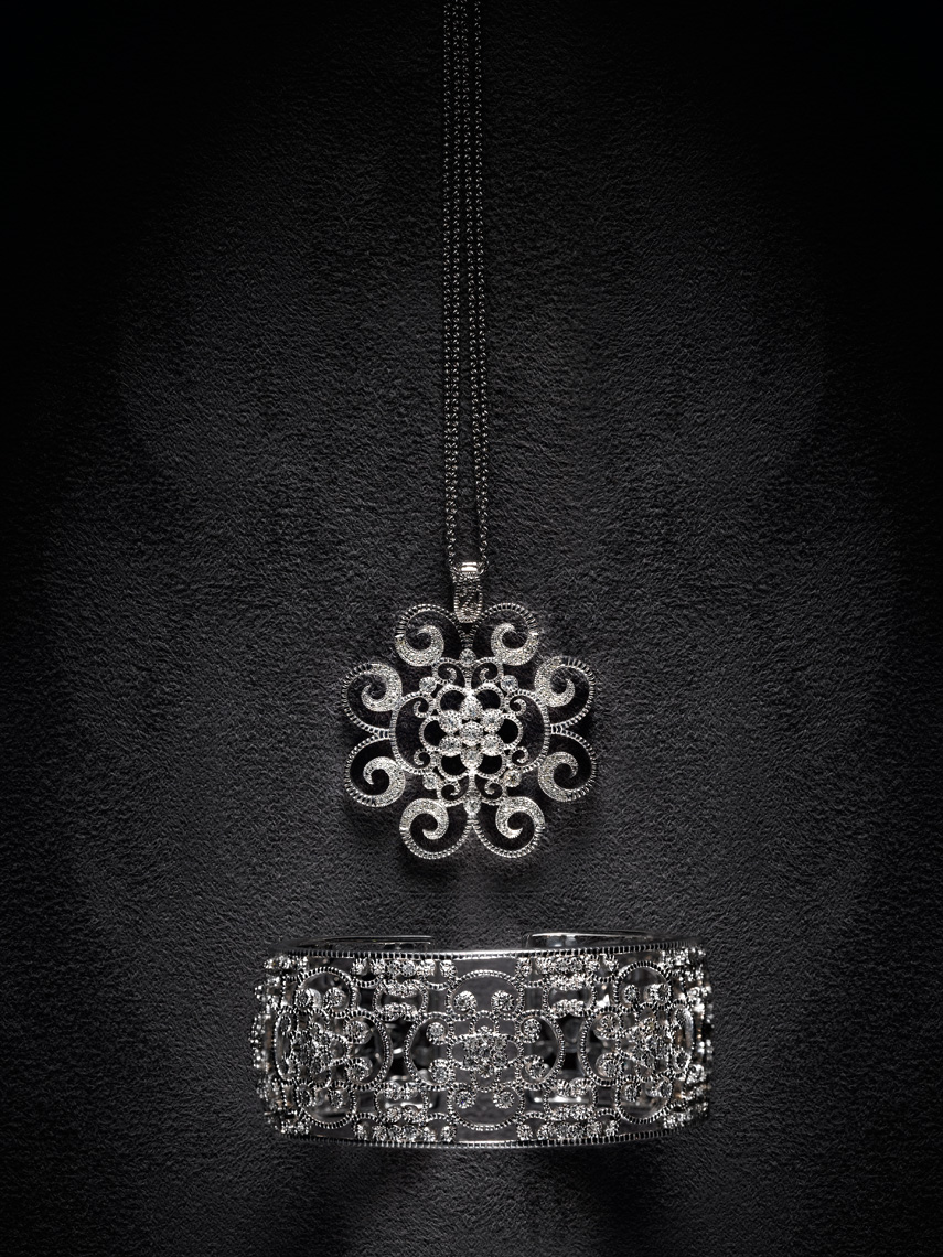 necklace bracelet jewelry photography by still life photographer Kliton Ceku