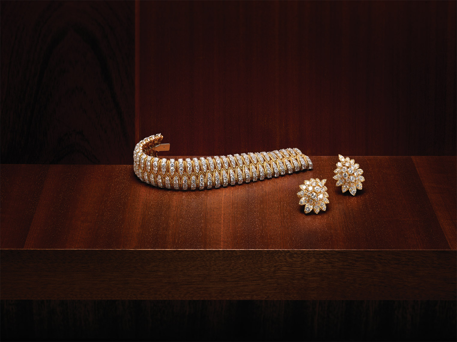 High End Jewelry Photography NYC - Van Cleef & Arpels Diamonds Bracelet and Earrings